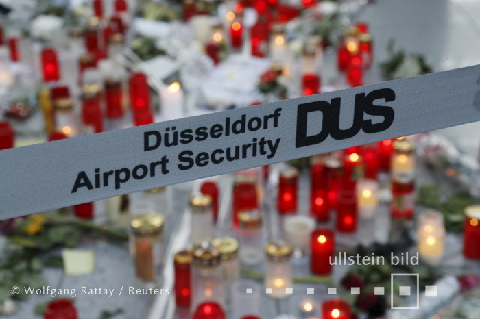 Lighted candles are placed in commemoration of the 150 victims of Germanwings flight 4U9525, which crashed last week in the French Alps, in Duesseldorf's airport April 2, 2015. - 02.04.2015 For commercial use please contact ullstein bild Released for Countries: Germany, Austria, Switzerland