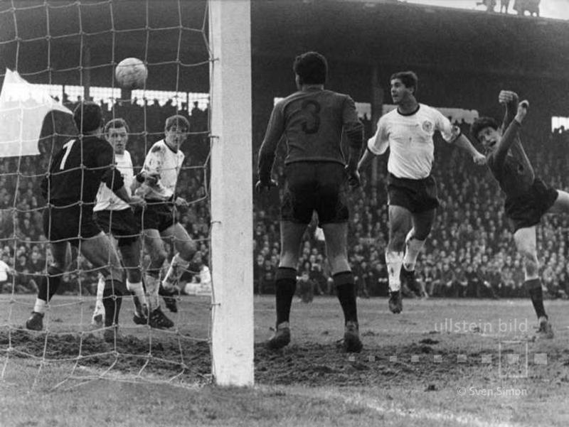 Fussball, EM-Qualifikation 1967, BRD - Albanien 6:0, Müller zum 3:0