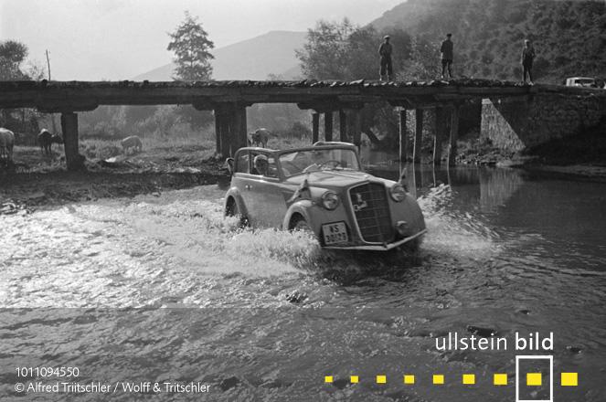 Mit dem Opel Olympia durch Griechenland: Dann eben drunter durch - Sommer 1936
