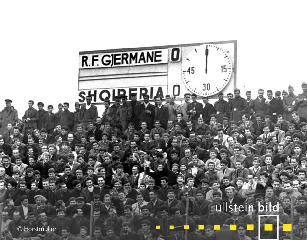 Die deutsche Fußball-Nationalmannschaft verpasst am 17. Dezember 1967 in Albanien die EM-Qualifikation