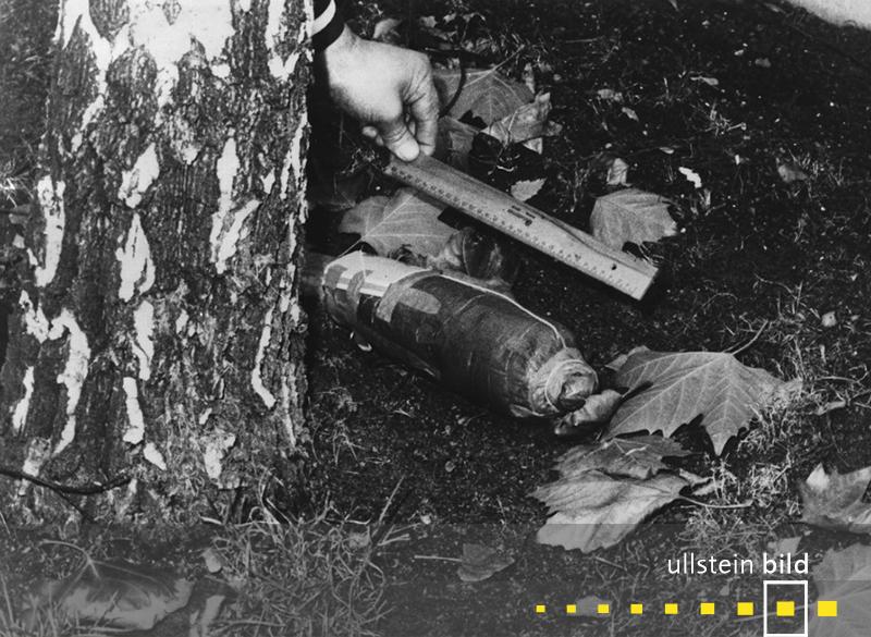 1969: Das Bombenattentat der linksradikalen Tupamaros West-Berlin auf das Jüdische Gemeindehaus in Berlin schlägt fehl.