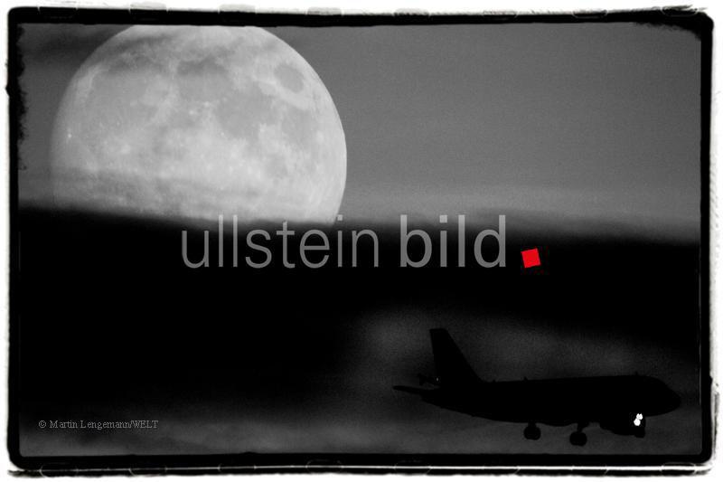 Mond ¸ber Pankow - Landeanflug auf Berlin Tegel