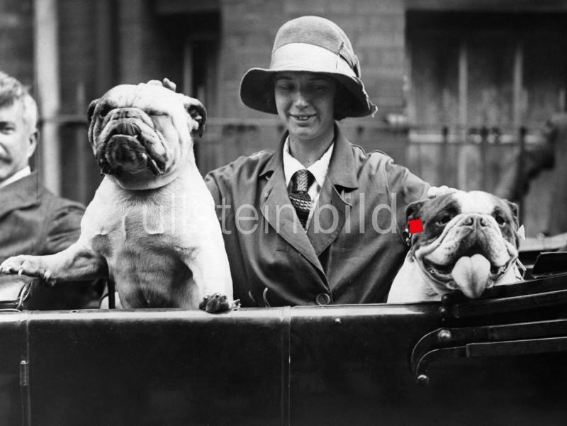 """""""Der richtige Augenblick! :))""""  Foto: 1927 - Originalaufnahme im Archiv von ullstein bild"""