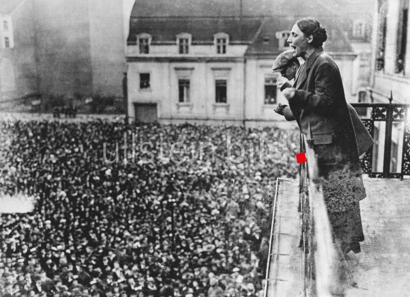 """""""Mein Foto des Jahres 2019 ist das von Marie Juchacz (Gründerin der Arbeiterwohlfahrt, 100. Jahrestag), da es mir das Jahr hindurch immer wieder über den Weg lief."""" Foto: 1919/Robert Sennecke"""
