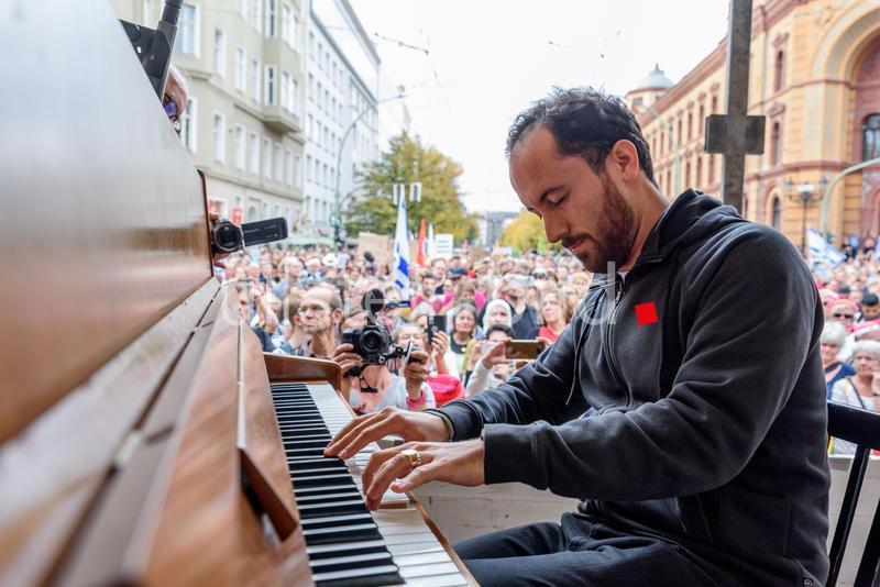 """""""Der Pianist Igor Levit, weil politische Haltung in diesen Zeiten so ungemein wichtig ist und er einer der wichtigsten Künstler in 2019 war und ist."""" Foto: snapshot-photography/F.Boillot"""