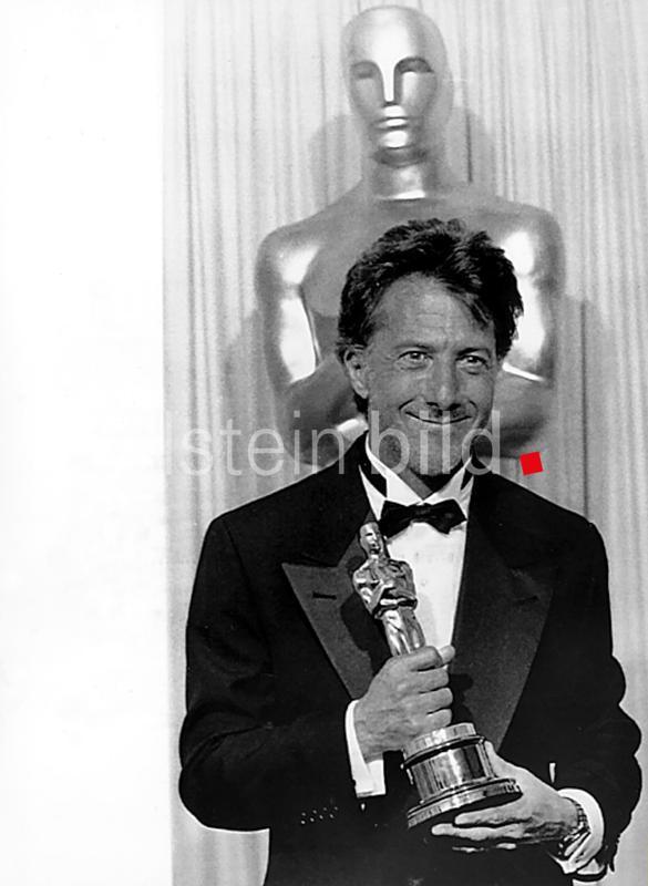 """*08.08.1937- Schauspieler, USA  mit dem Oscar als bester Darsteller in dem Film  """"Rain Man""""  - 30.03.1989  AP !"""