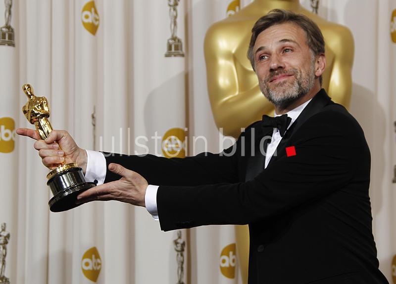 Waltz, Christoph - Schauspieler, Oesterreich - mit dem Oscar als 'Bester Nebendarsteller' in dem Film 'Inglourious Basterds' - 82. Oscarverleihung - 07.03.2010  AP