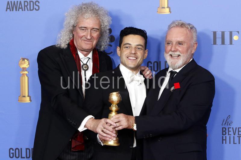 Brian May, Rami Malek und Roger Taylor mit dem Preis für den besten Schauspieler im Kino-Drama 'Bohemian Rhapsody' bei der Verleihung der 76. Golden Globe Awards im Beverly Hilton Hotel in Beverly Hills